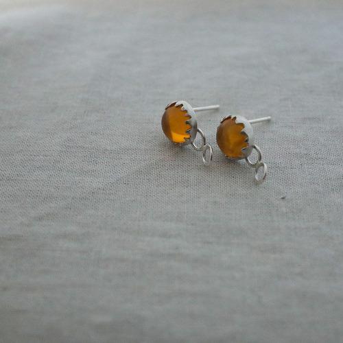 Medium pierce amber 1