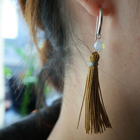 Thumb pierce tassel 3